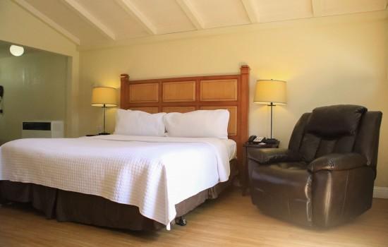 Carmel Resort Inn - Carmel Resort Inn Rooms