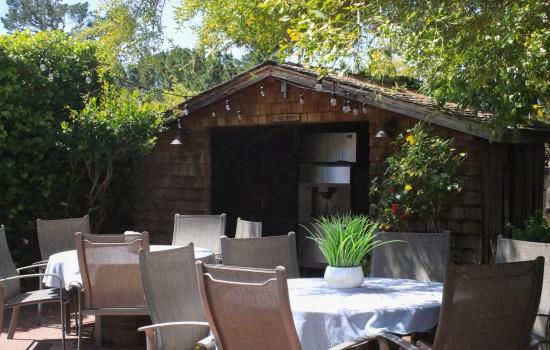 Carmel Resort Inn - Barbeque Area at Carmel Resort Inn