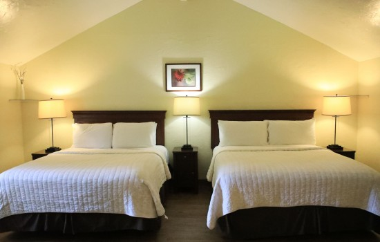 Carmel Resort Inn - One-Bedroom Queen Cottage with Two Queen Beds