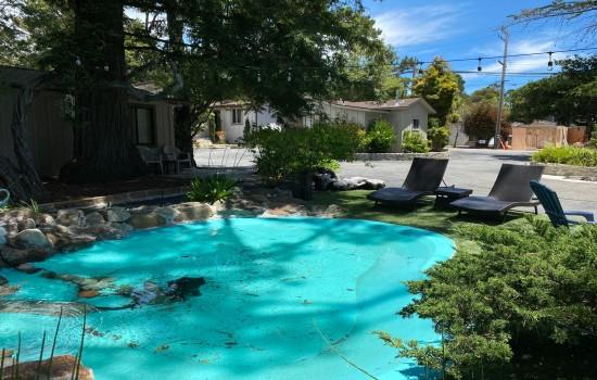 Carmel Resort Inn - Outdoor Pool