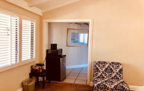 Carmel Resort Inn - One-Bedroom Queen Cottage