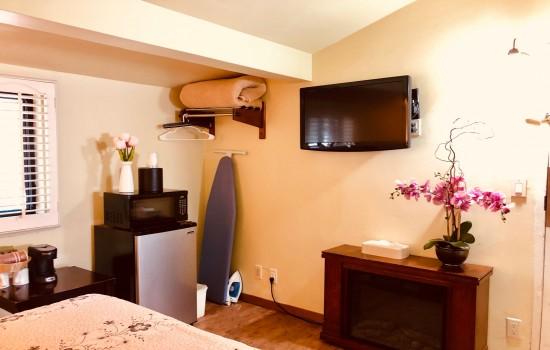Carmel Resort Inn - Deluxe Family Suite