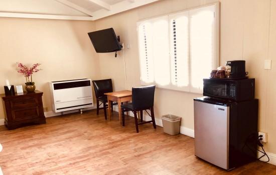 Carmel Resort Inn - Deluxe Family Room